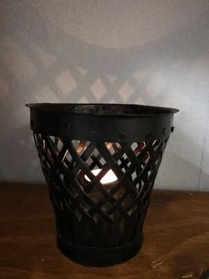 Metalen kaarsenhouder met vlechtwerk L