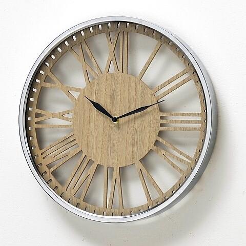 Wandklok hout met zilveren rand 40cm