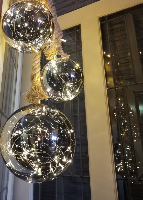 LED bal grijs,goud of helder aan touw M