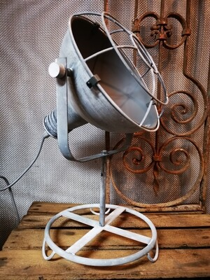 Ijzeren tafellamp H45
