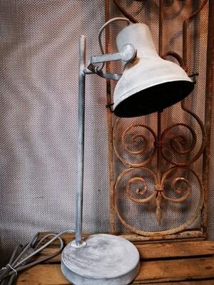 Ijzeren tafellamp H54
