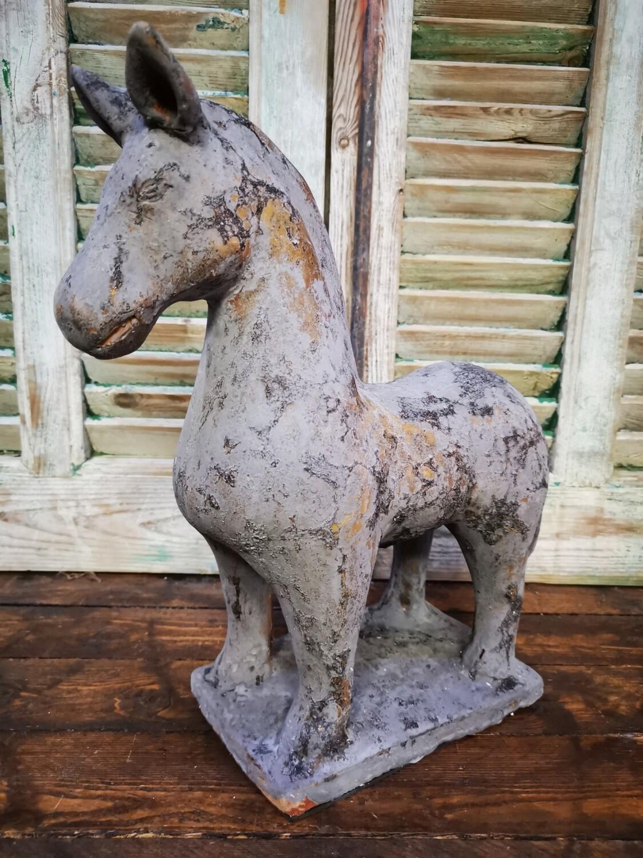 Paard grijs