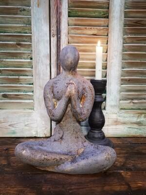 Vrouwenbeeld pray