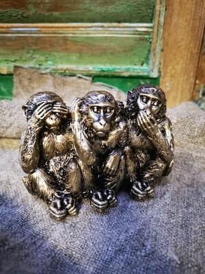 Horen, zien en zwijgen aapjes
