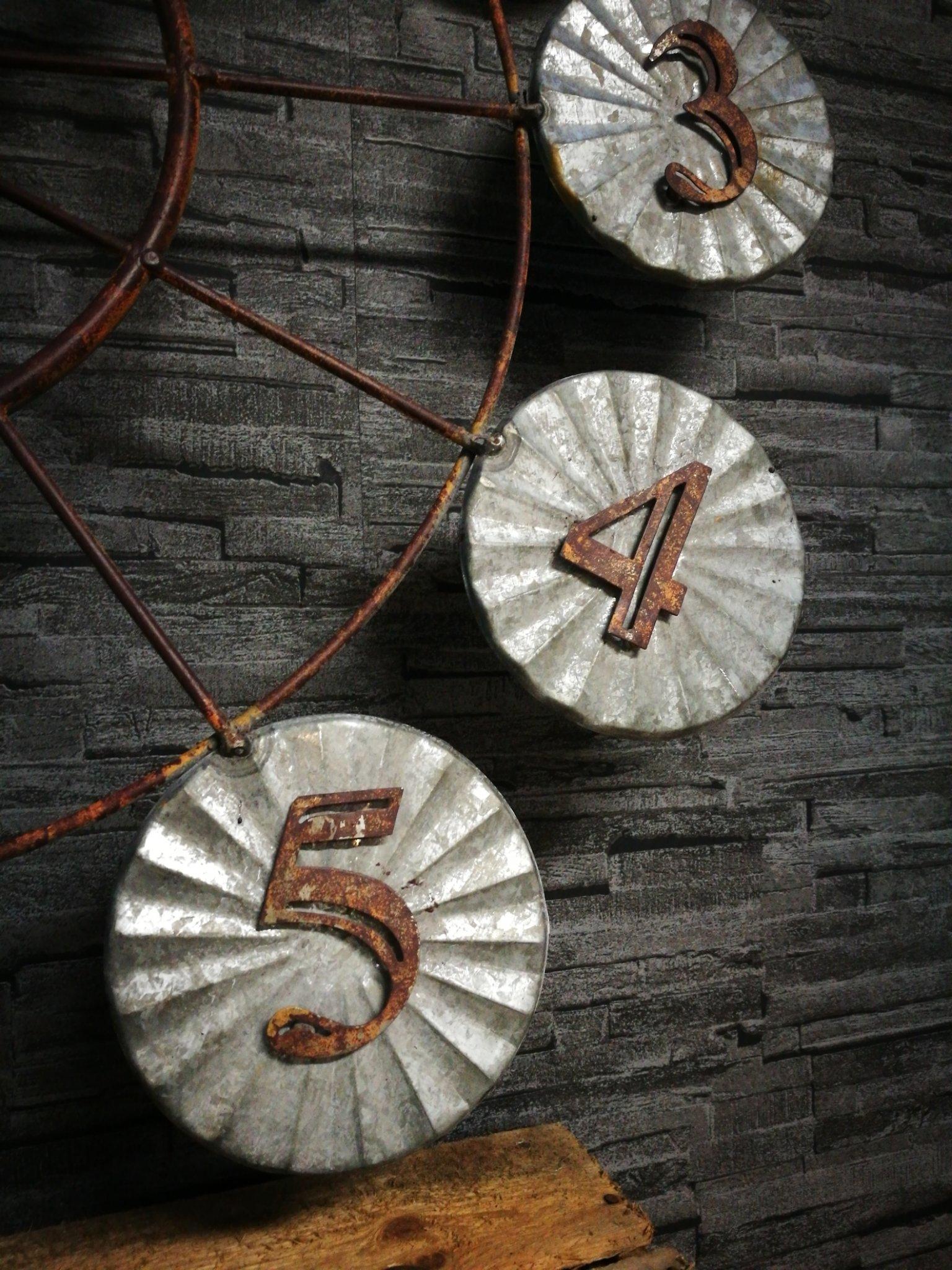 Wandklok zink 71cm