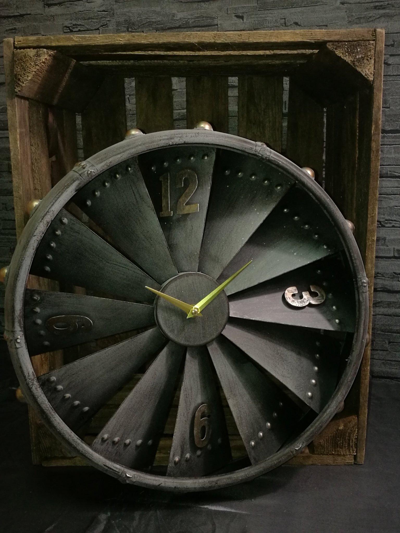 Wandklok vliegtuigmotor 00876