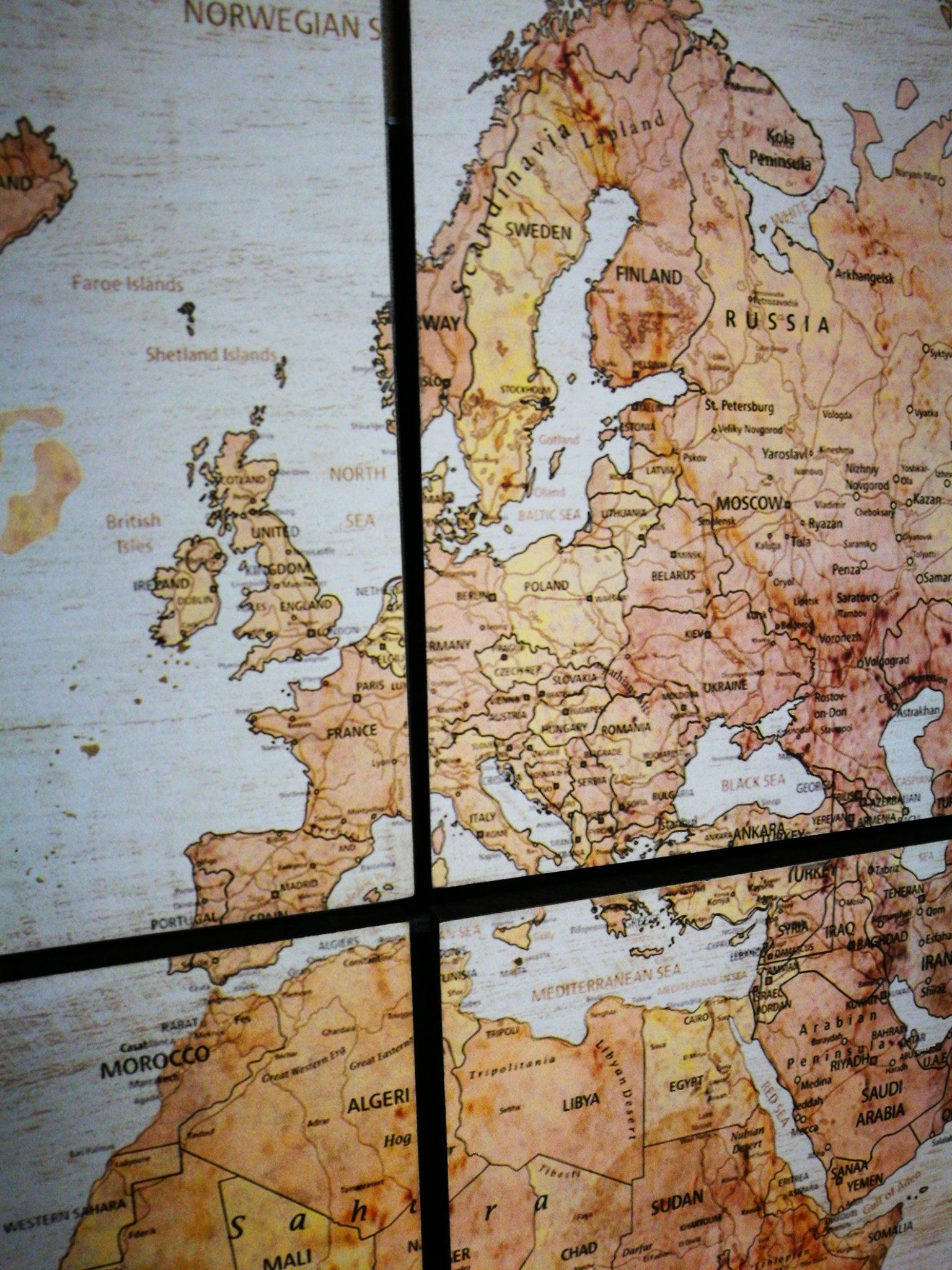 Wandkaart globe wit vierluik