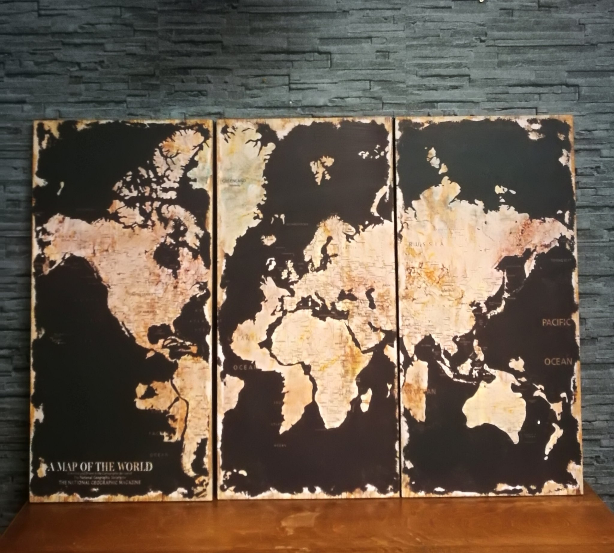 Drieluik wandkaart wereld zwart 01101