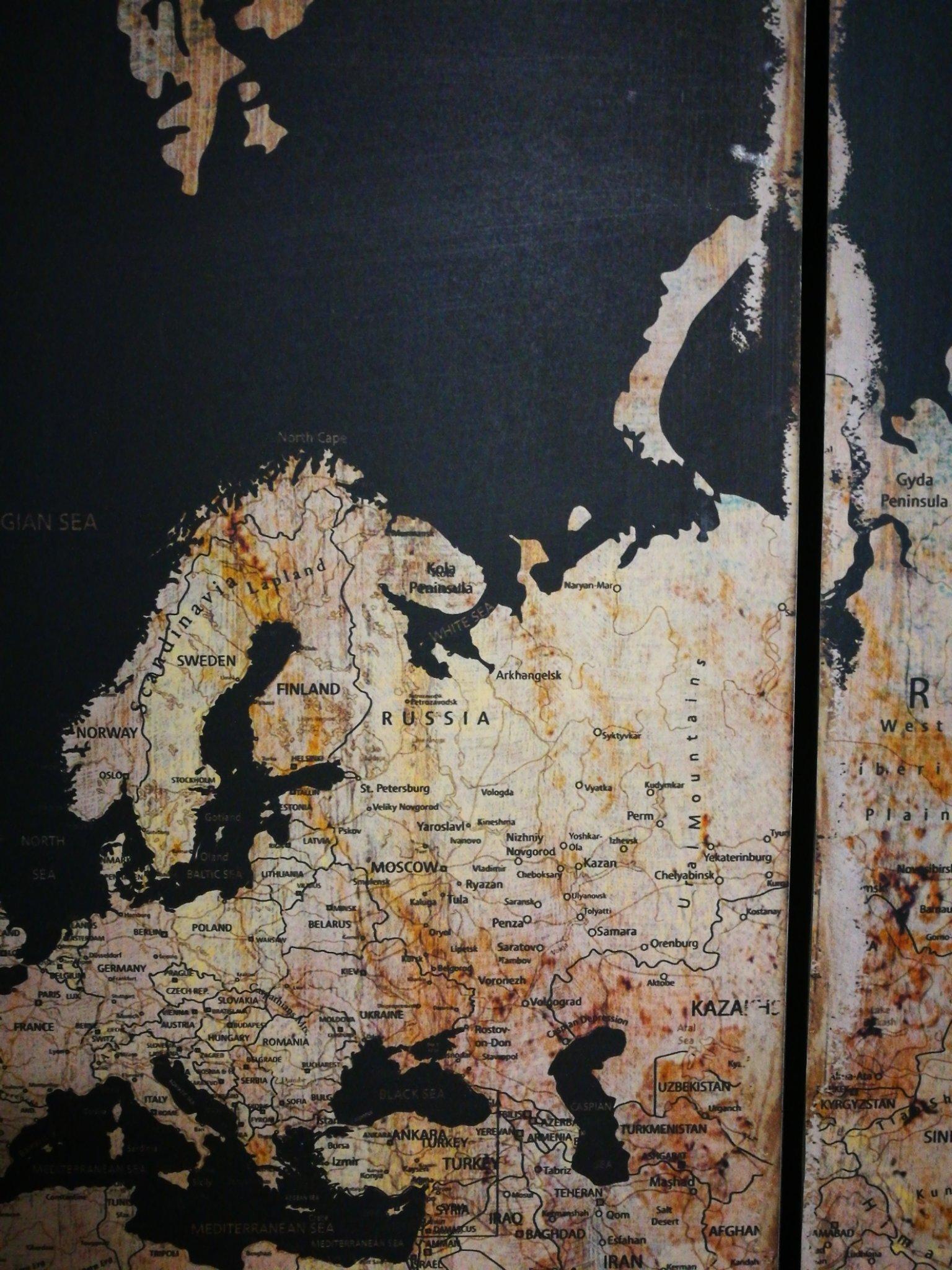 3 luik wandkaart wereld zwart