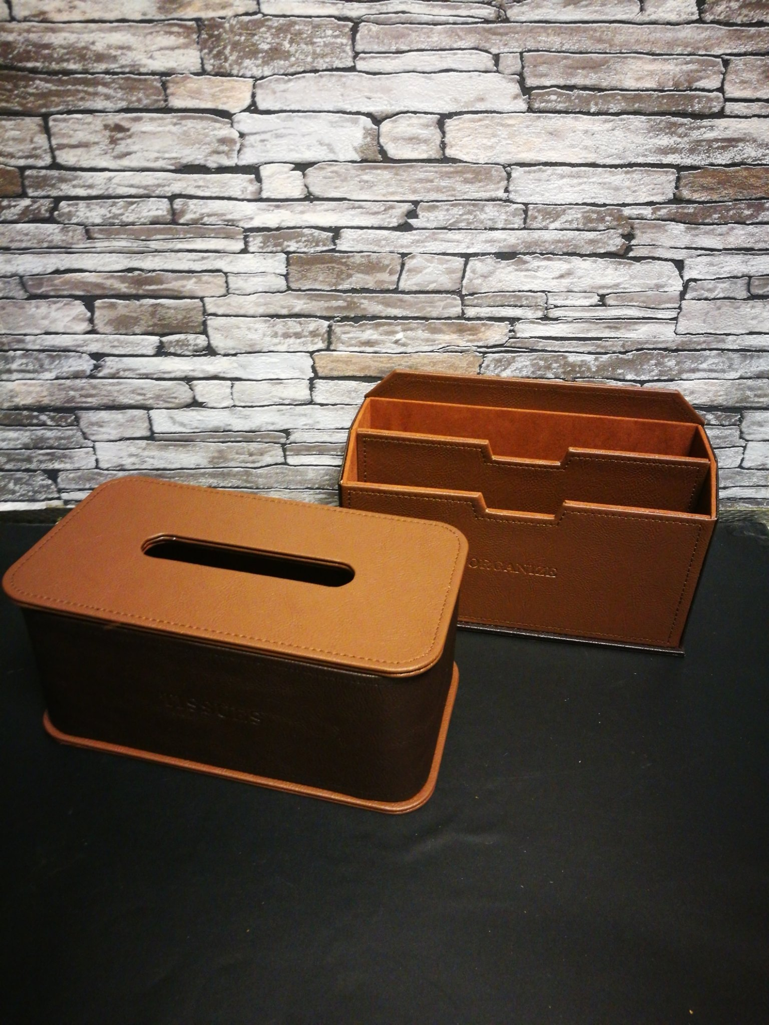 Leren tissue box