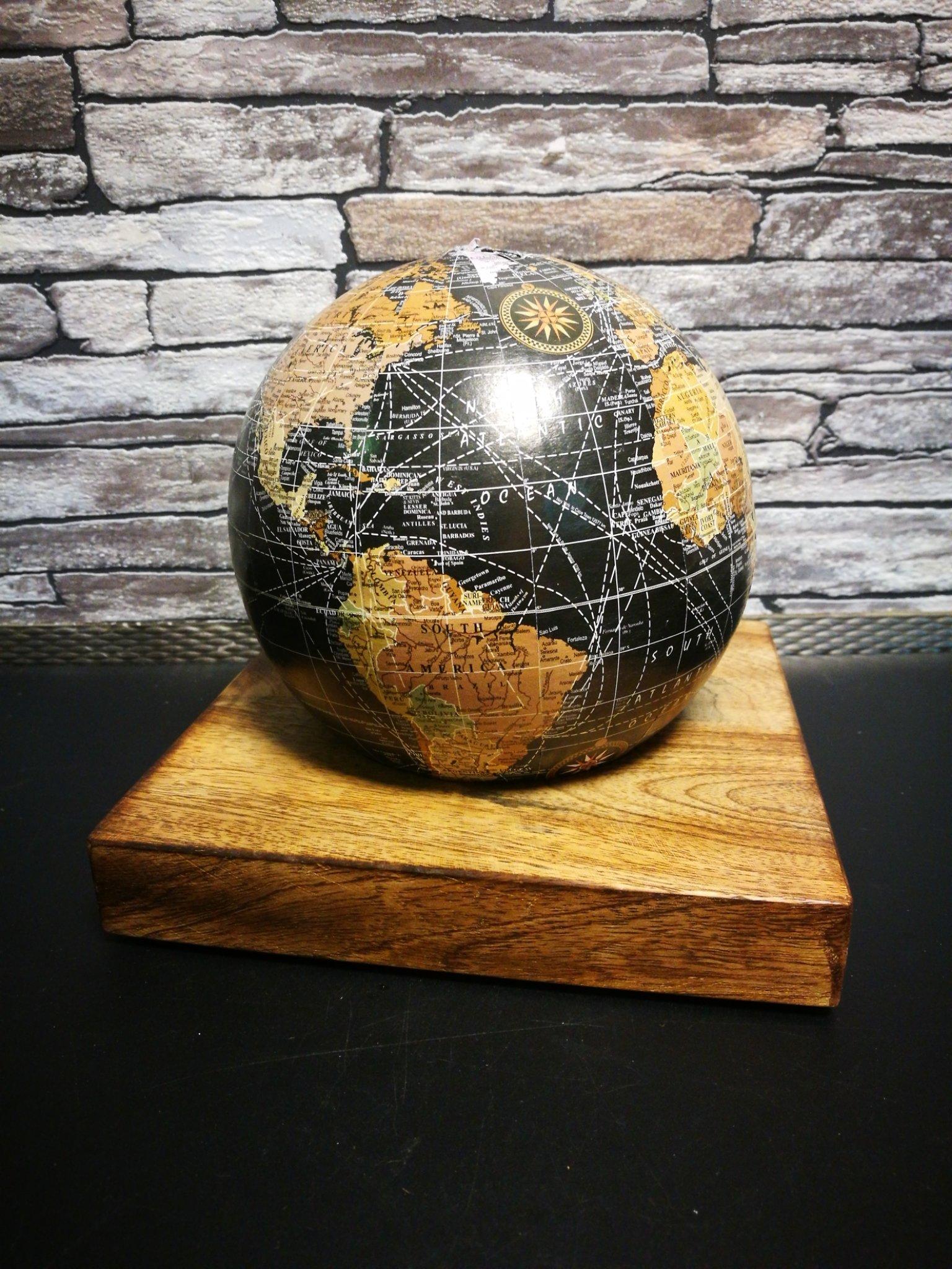 Wereldbol spaarpot 01113