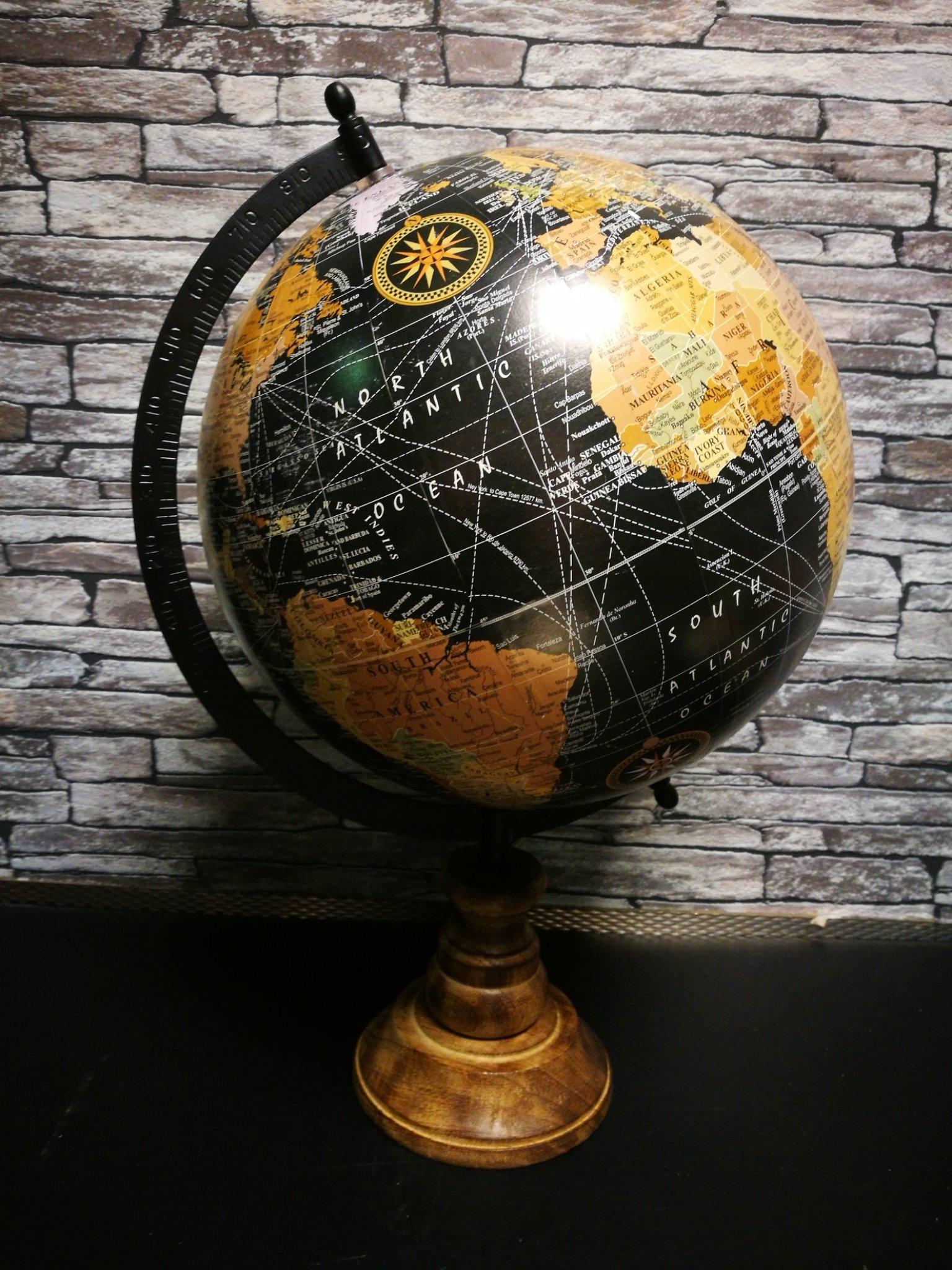 Wereldbol zwart L 01127