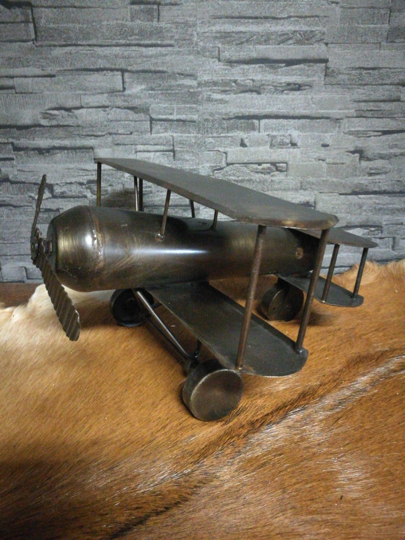 Metalen vliegtuig L 01344