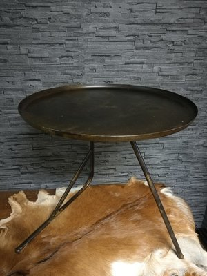 Metalen ronde tafel