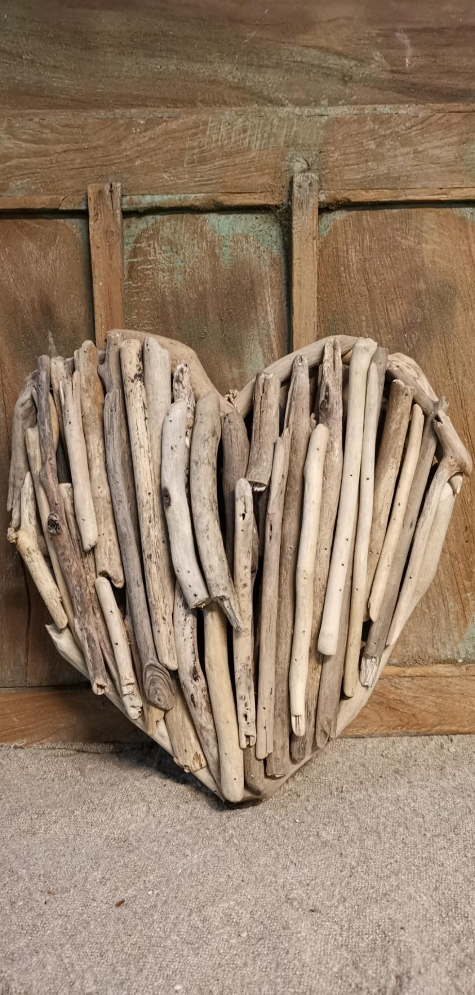 Driftwood hart 01740