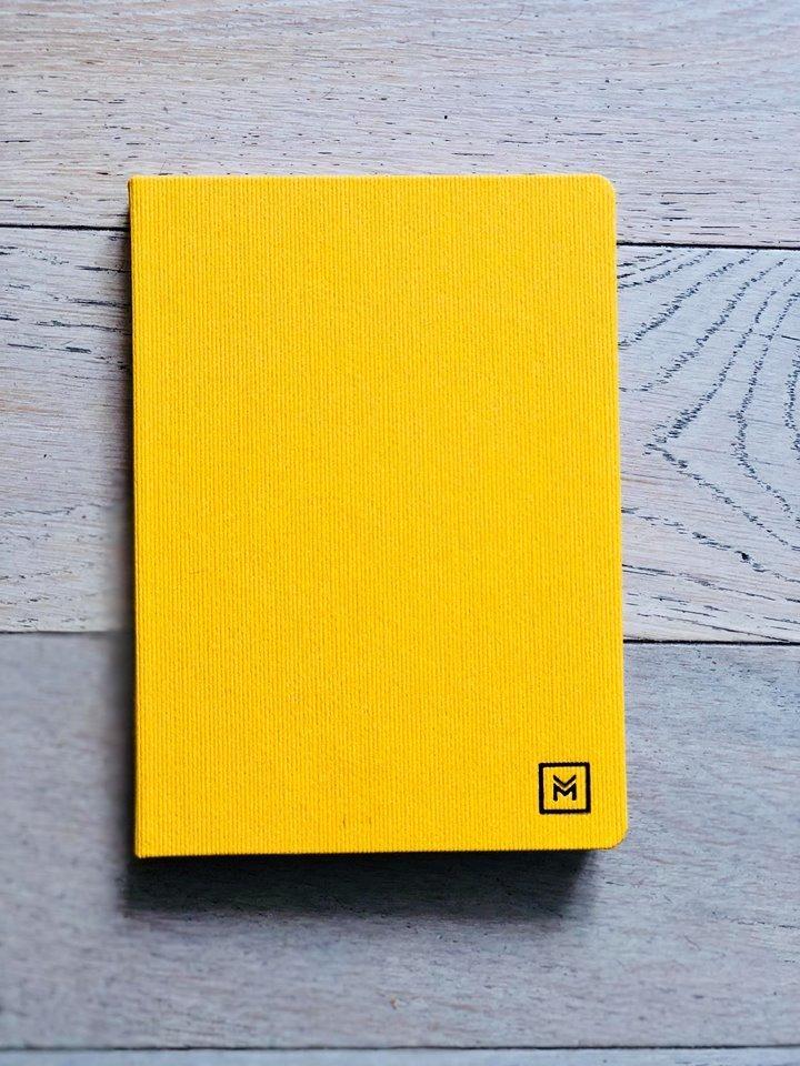 Ежедневник желтый