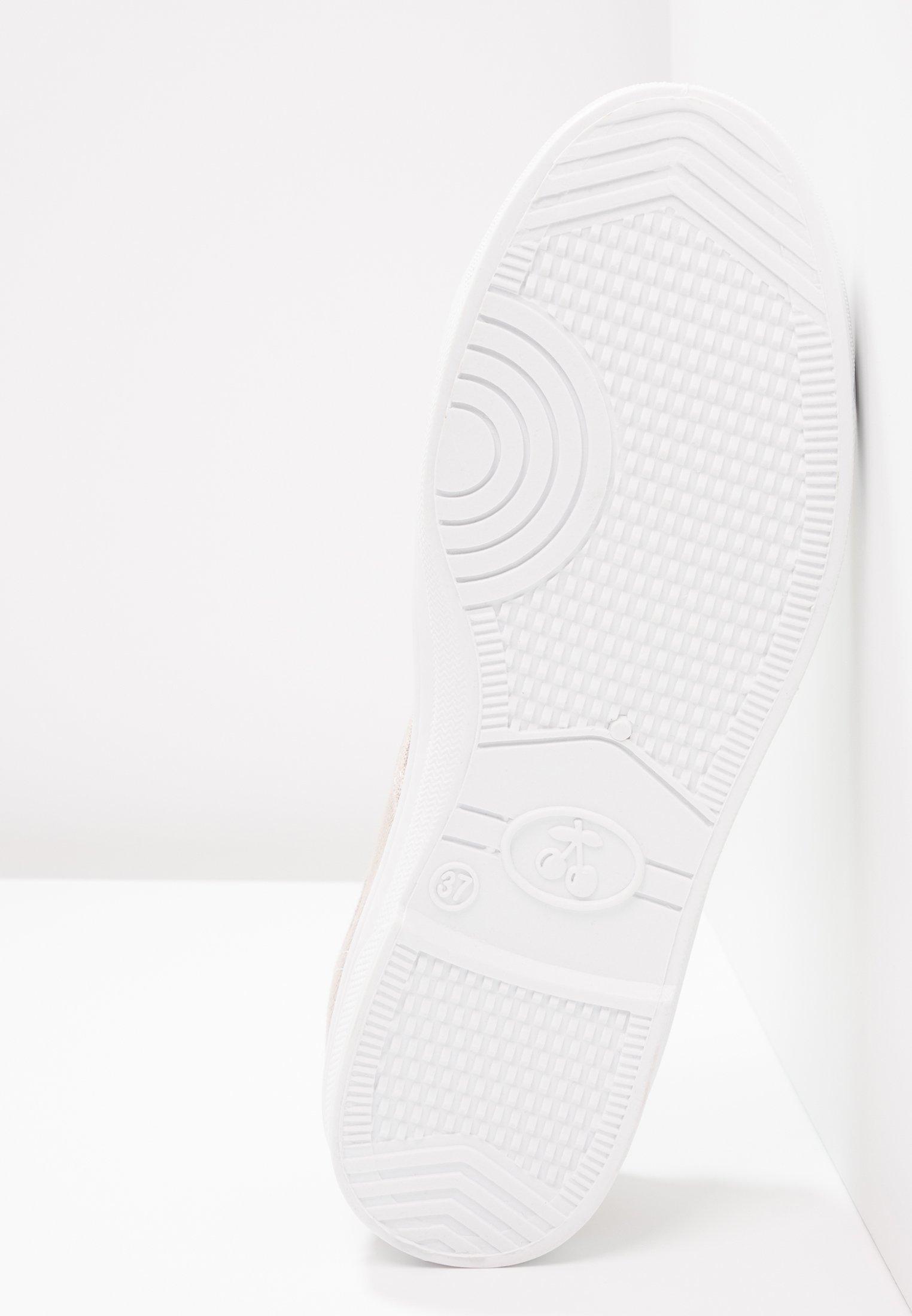 Baskets femme LE TEMPS DES CERISES basic 02 gris clair