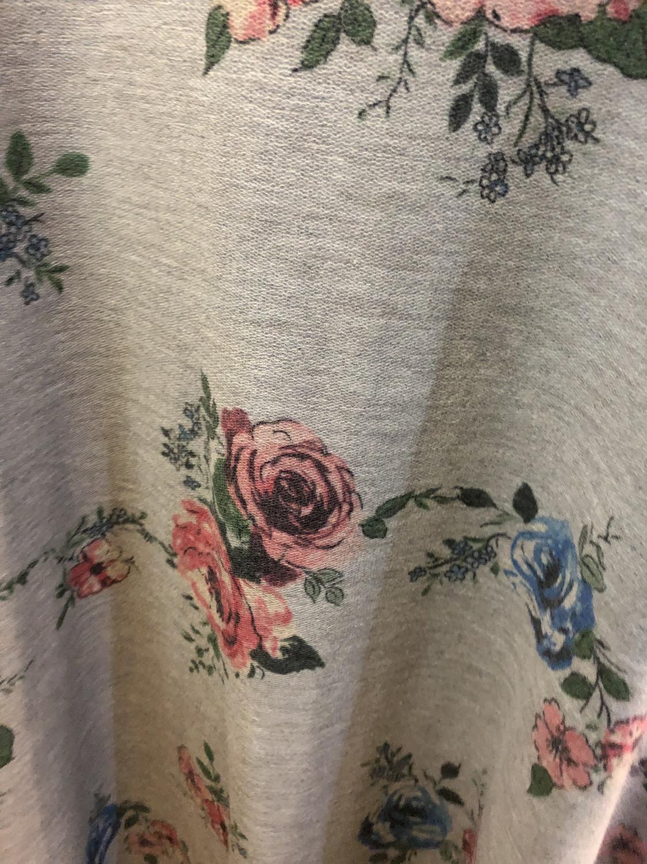 Floral Cold Shoulder ~Heather Grey