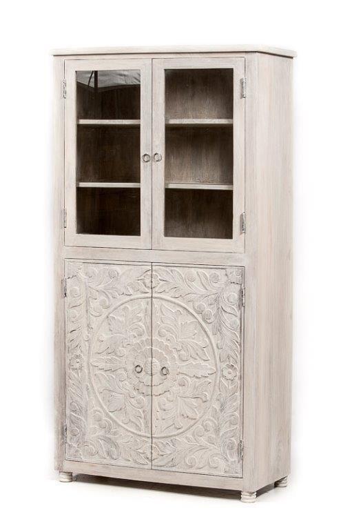 Vitrinekast Mangohout White Washed Kast Met Lotus Houtsnijwerk En Glasdeuren