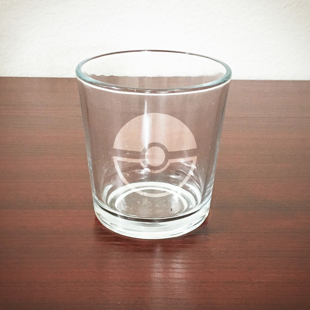 Etched 8oz rocks glass - Pokeball EGRks-pkbl