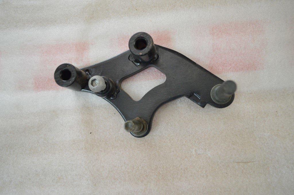 MEGELLI BRACKET CALIPER FRONT 44251-170A-0010