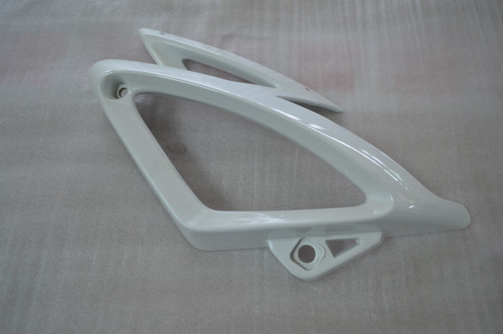 MEGELLI HEADLIGHT COVER OUTER RIGHT WHITE 82502-148A-0003-W