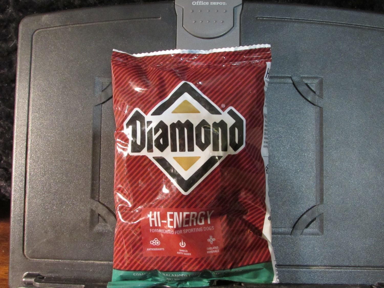 Diamond High Energy Chicken Dog 6 oz (9/18) (A.O7)