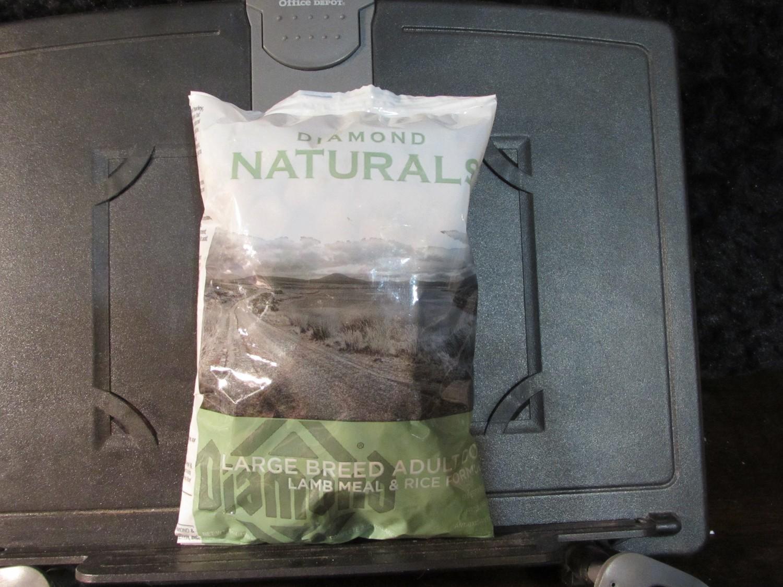 Diamond Natural Large Breed Lamb & Rice 6 oz (9/18) (A.Q1)