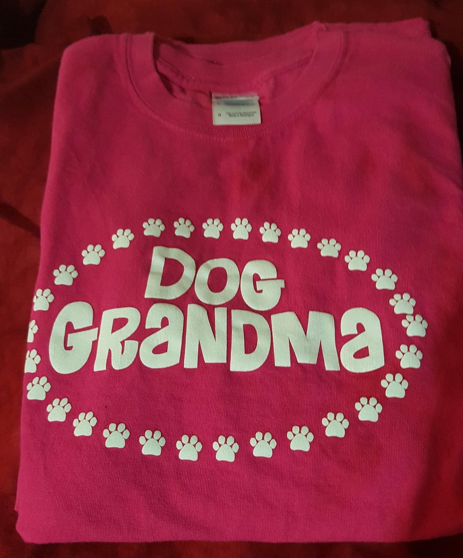 Dog Grandma T-Shirt - MEDIUM - HOT PINK (B.126/127)