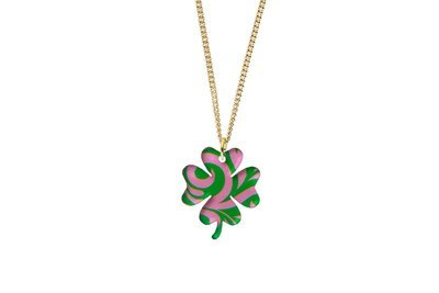 Clover Pendant Sculpted Style on Chain Necklace