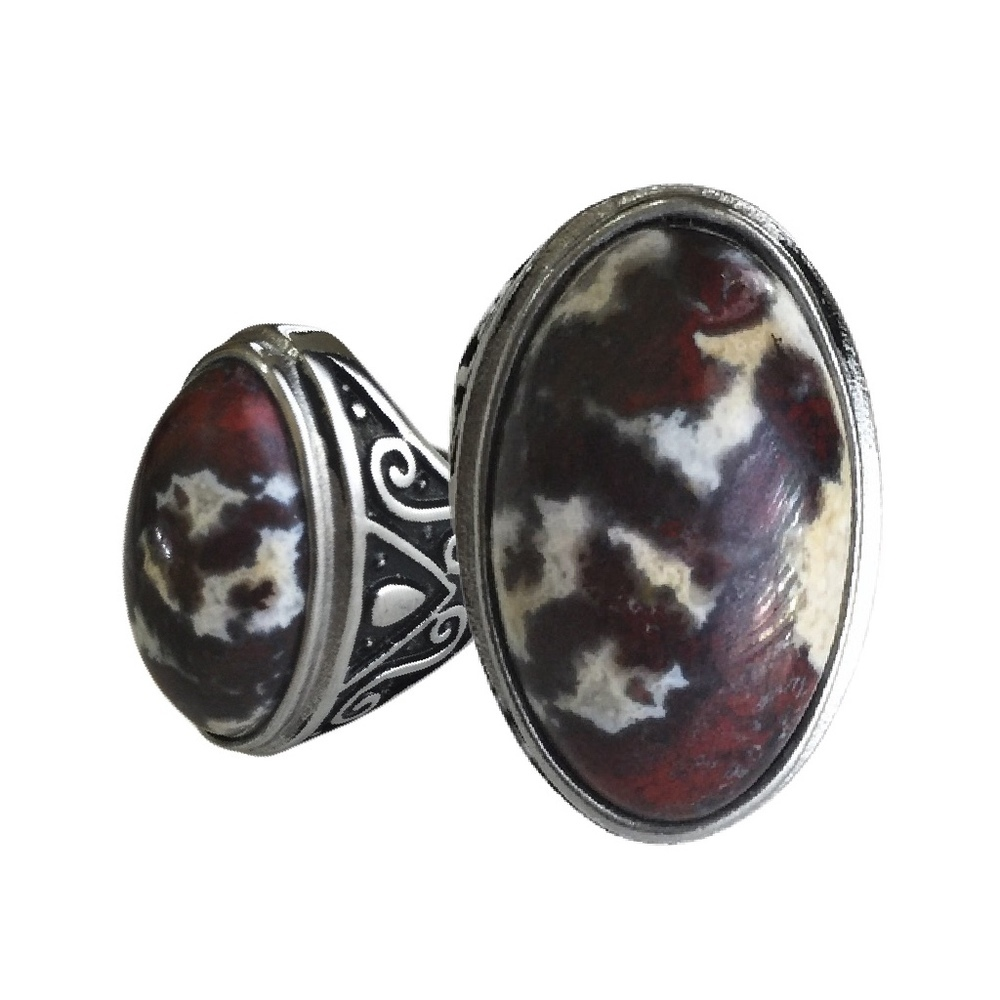 Indonesian Shamanic Poppy Jasper Gemstone Amulet set in Silver Ring to empower Mind and Body with Vigor