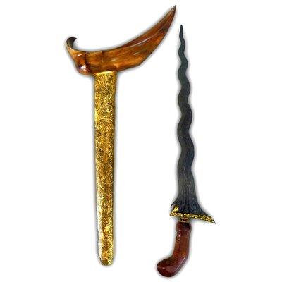 Keris Sengkelat Mataram Sultan Agung with Gold-plated Kinatah, Ancient Brass Sheath, and Teak-wooden Hilt