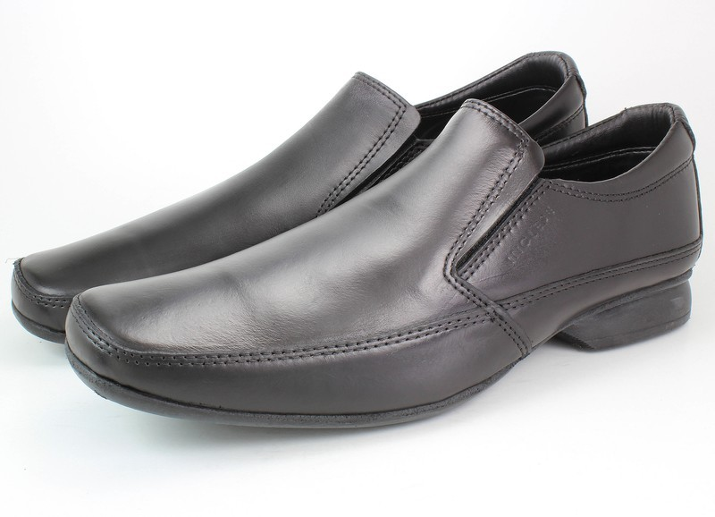 Mens Shoes Genuine Leather Black - SUGGESTED RETAIL PRICE $45.00 - WHOLESALE PRICE $8 - Minimum purchase 8 pairs