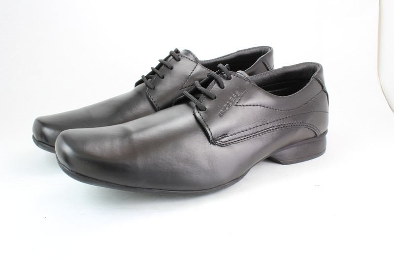 Mens Shoes Genuine Leather Black - SUGGESTED RETAIL PRICE $45.00 - WHOLESALE PRICE $8 - Minimum purchase 9 pairs