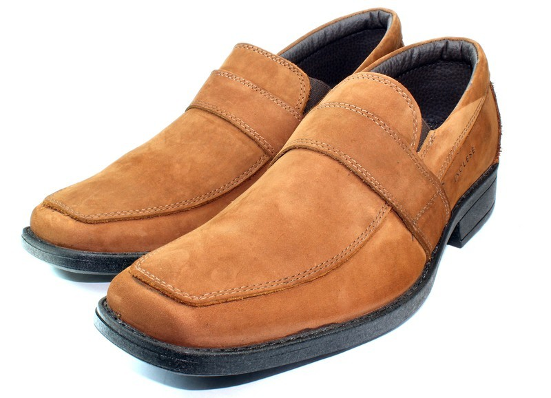 Mens Shoes Genuine Nubuck Leather Brown - SUGGESTED RETAIL PRICE $45.00 - WHOLESALE PRICE $9.5 - Minimum purchase 10pairs