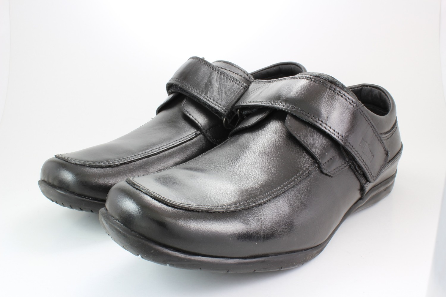 Mens Shoes Genuine Leather Black - SUGGESTED RETAIL PRICE $45.00 - WHOLESALE PRICE $8.5 - Minimum purchase 12 pairs