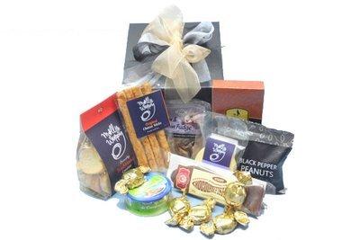 Gourmet gift basketspremium hampers gourmet connoisseur nz mixed delights negle Images