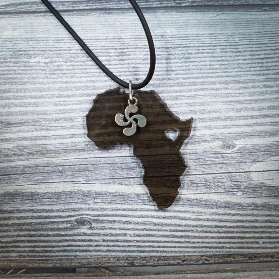 Africa Love Necklace with Lauburu AFRI-NEC-ACLEBLK-BLAUB-M