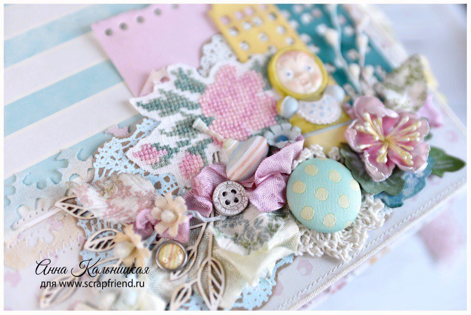 Маленькие цветочки - это шапочка маковой коробочки. Автор работы Анна Кальницкая.