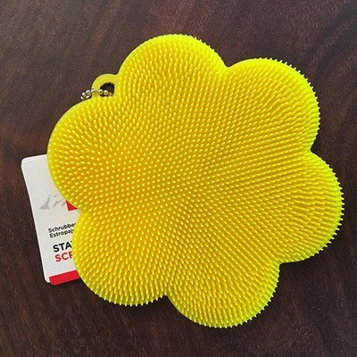 Stay Clean Scrubber / Yellow