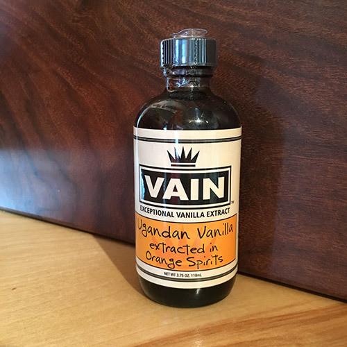 VAIN Ugandan Vanilla in Orange Spirits