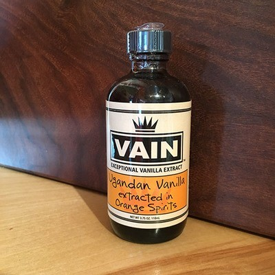 VAIN Ugandan Vanilla in Orange Spirits