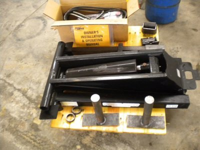 Dump bed hoist kit complete with everything. 24 or 12 volt