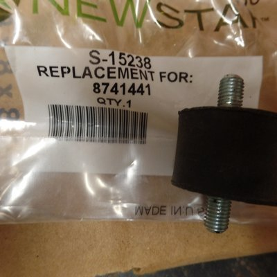 RUBBER MOUNT FOR HEAD LIGHT BUCKET - 8741441
