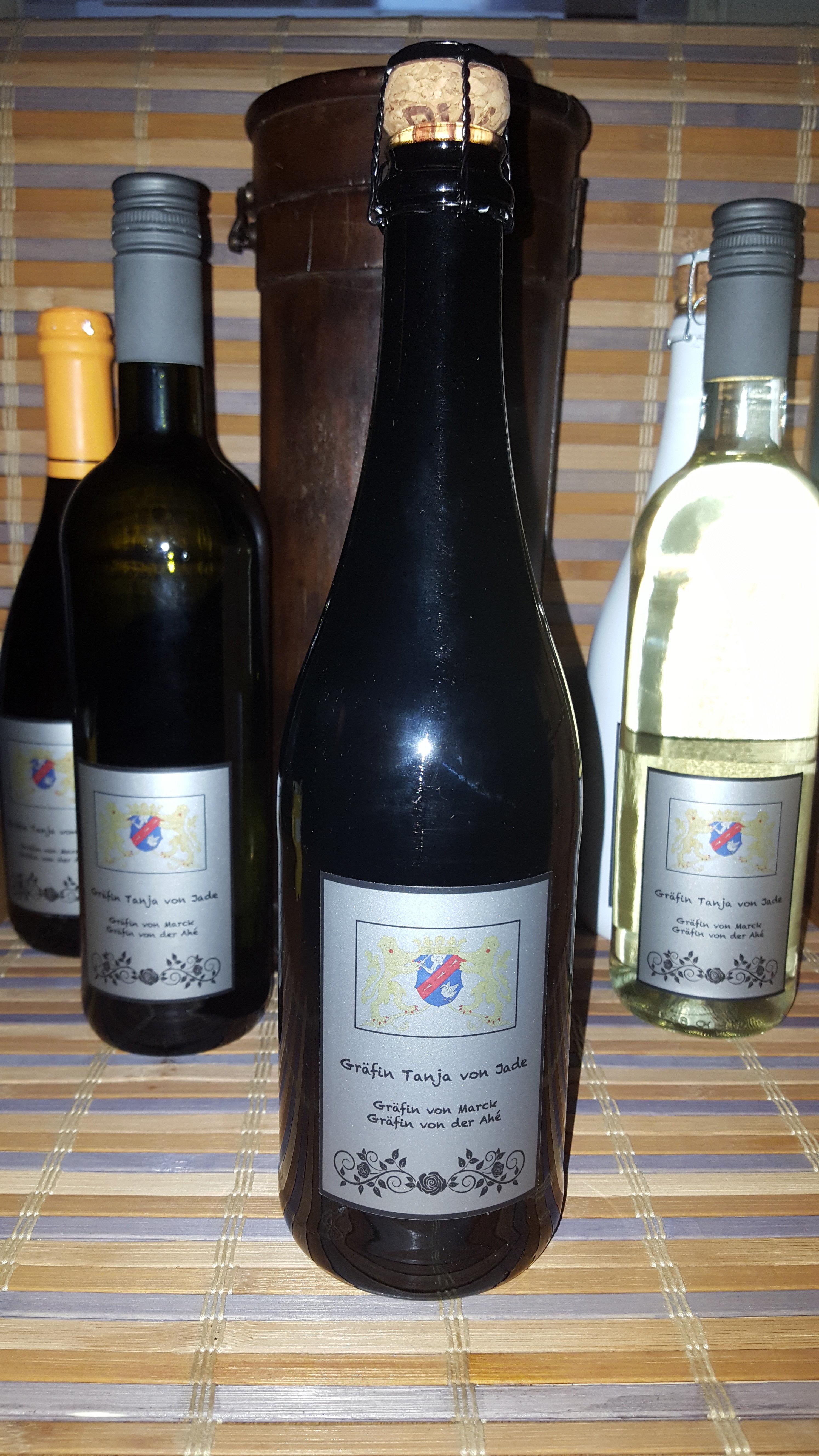 Sekt Chardonnay Brut 0,75ml 11,5%vol 04