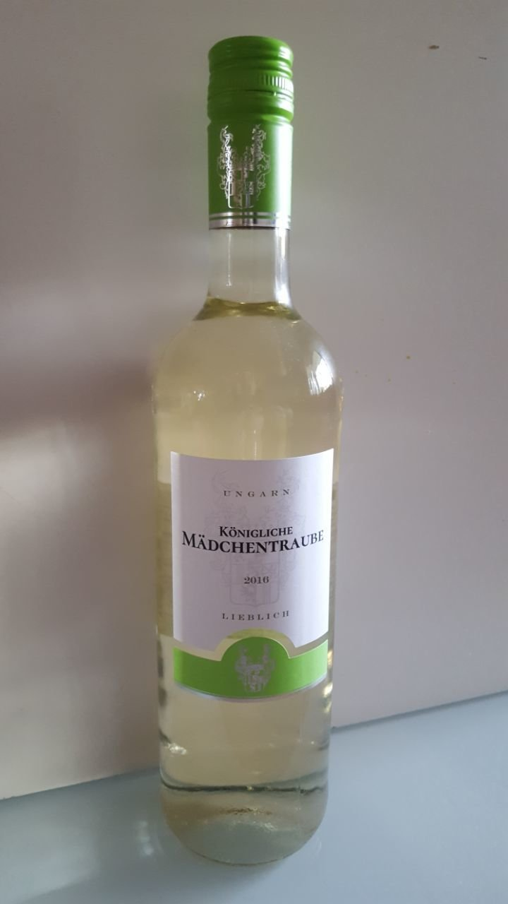 Ungarn Königliche Mädchentraube Ungarn lieblich, Weißwein 2016 050