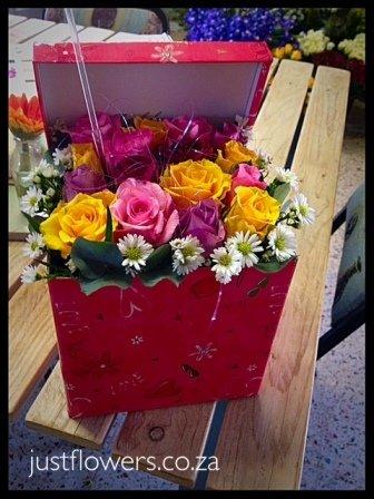 Gift Box Roses JF08