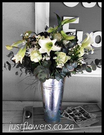 Galvanized White Vase JF85