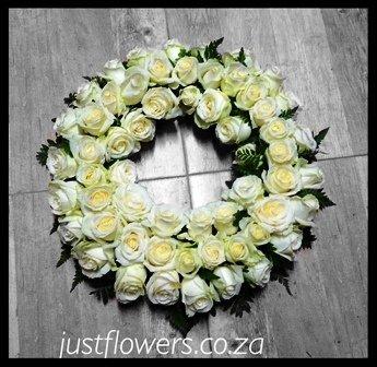 Wreath Round JF106