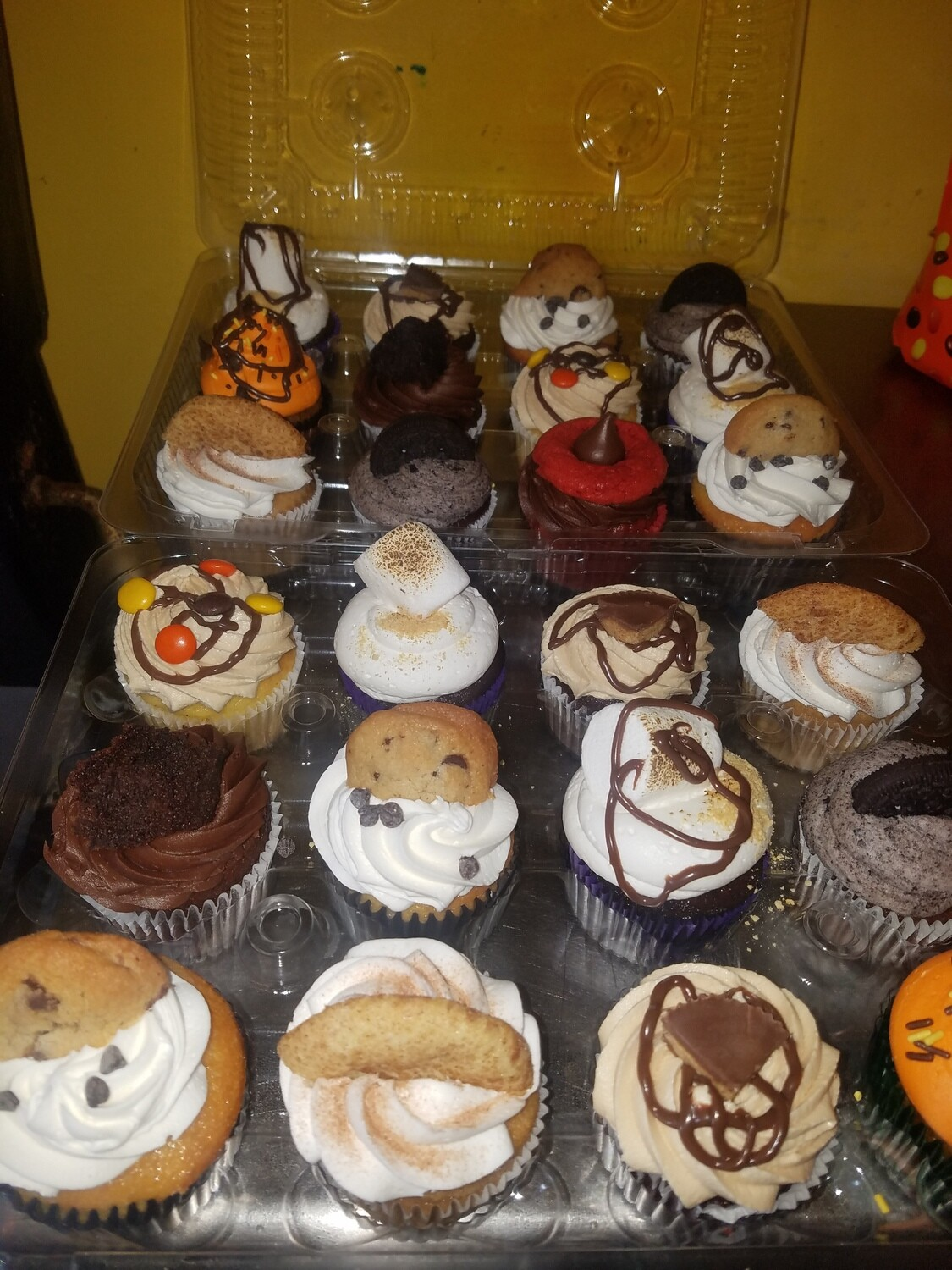 Thanksgiving Assorted Cupcakes